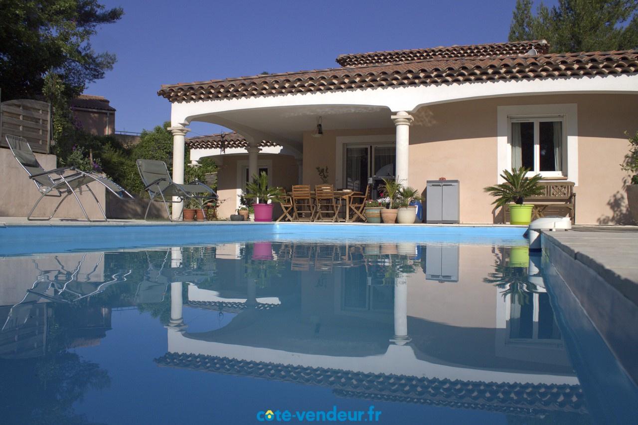 Vente maison cologique de 4 chambres avec piscine for Vendeur de piscine
