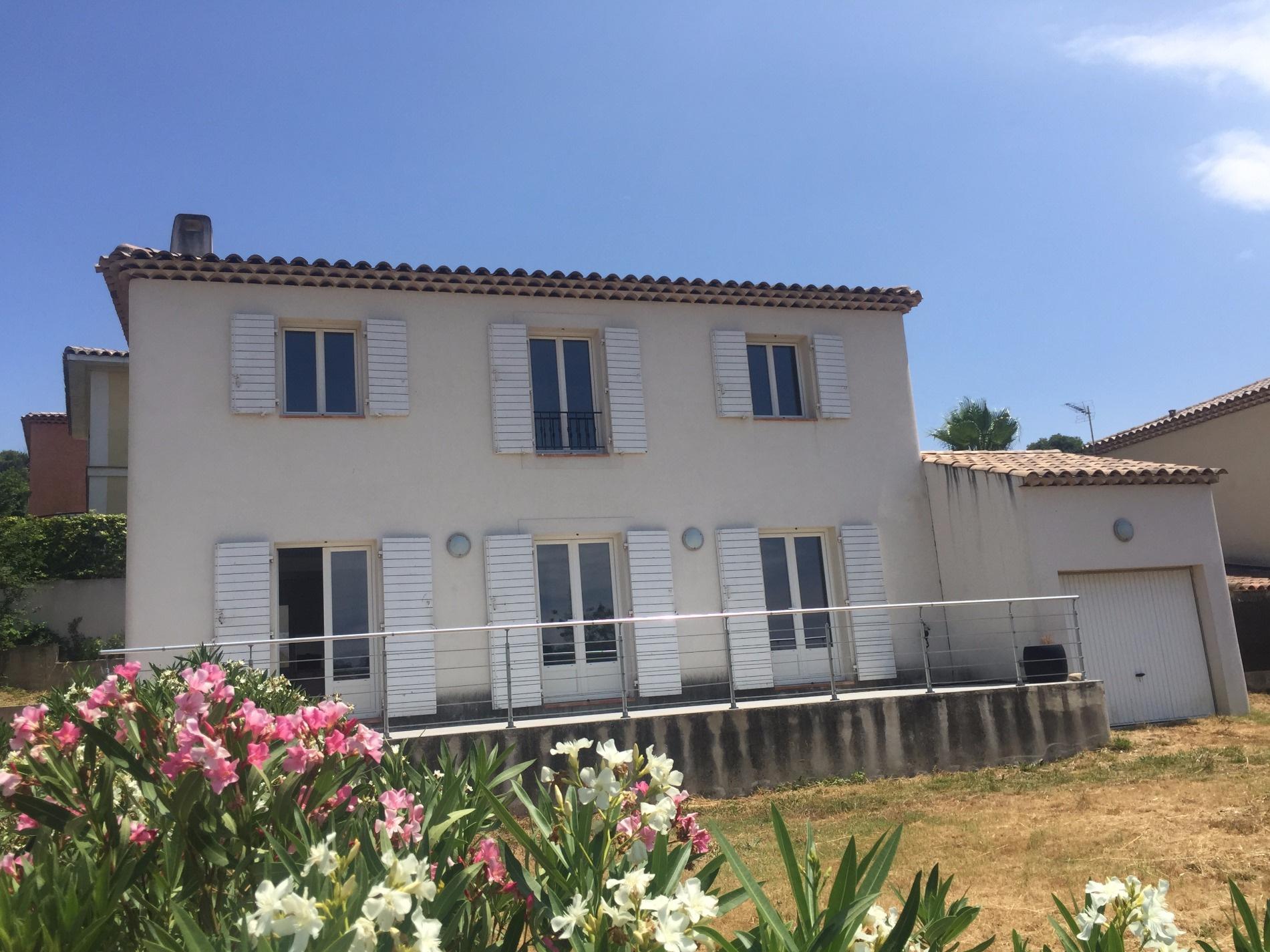 Annonce location maison marseille 11 110 m 1 790 for Annonces location maison