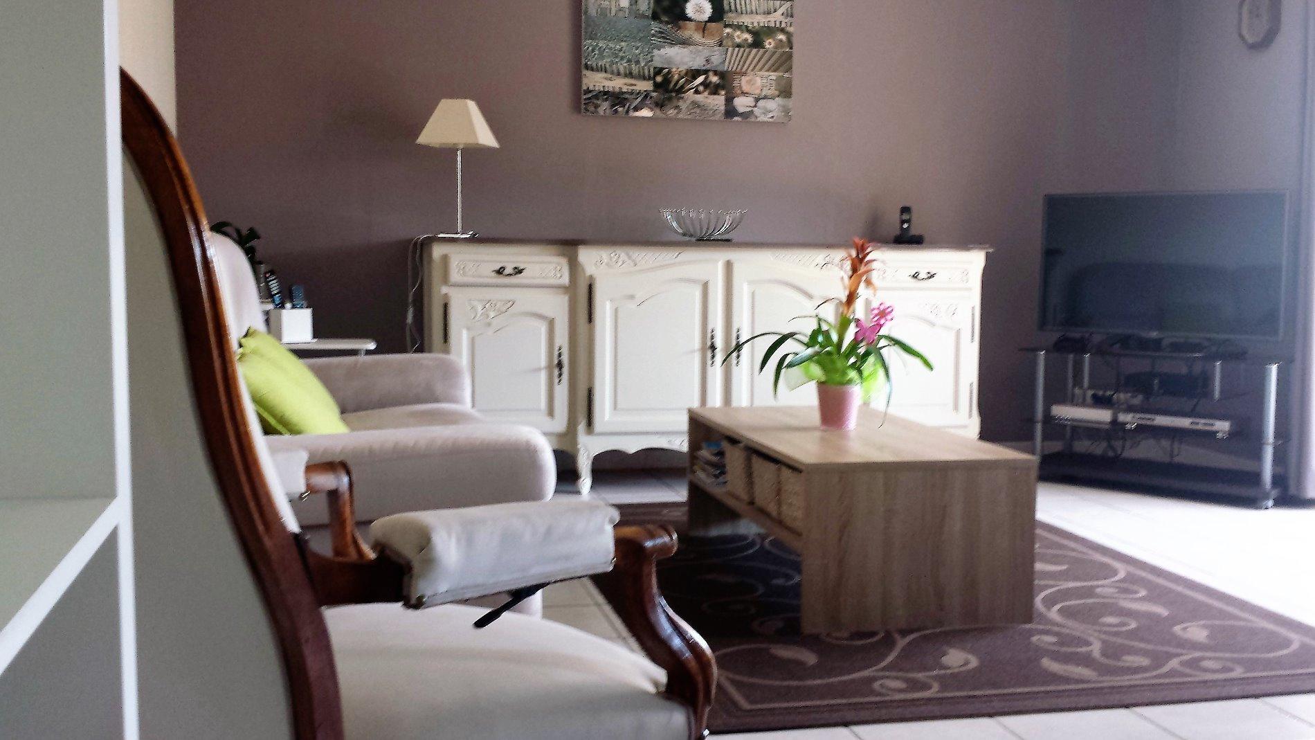 annonce vente appartement aubagne 13400 64 m 223 000. Black Bedroom Furniture Sets. Home Design Ideas